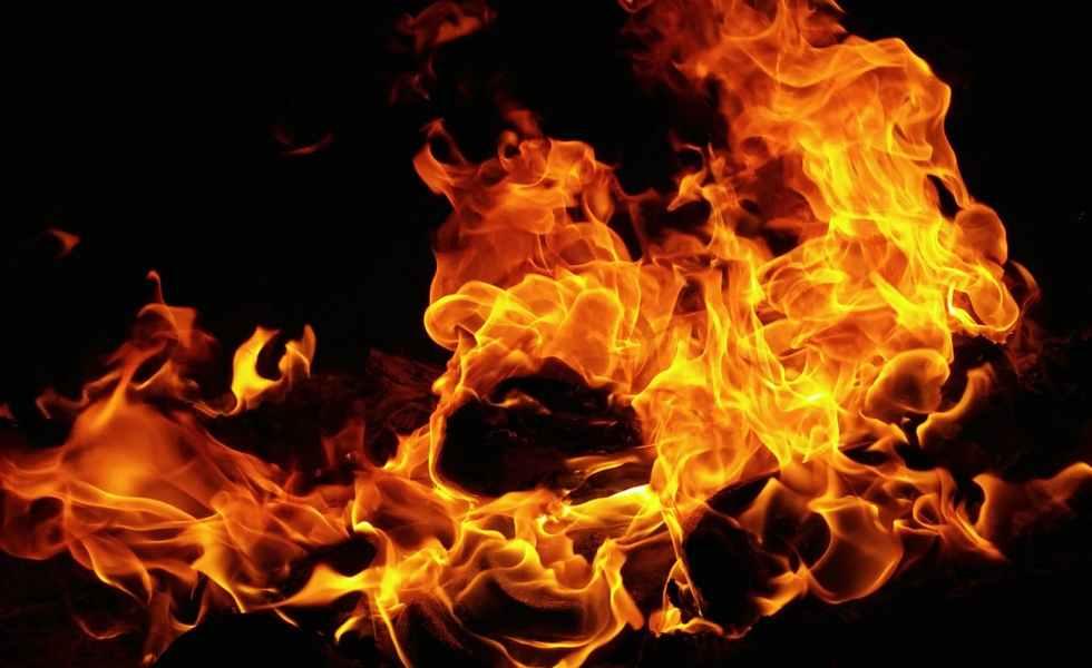 Let it burn | djonechain